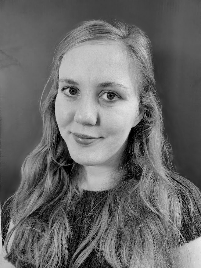Portrait Anna Mikulics schwarz weiß